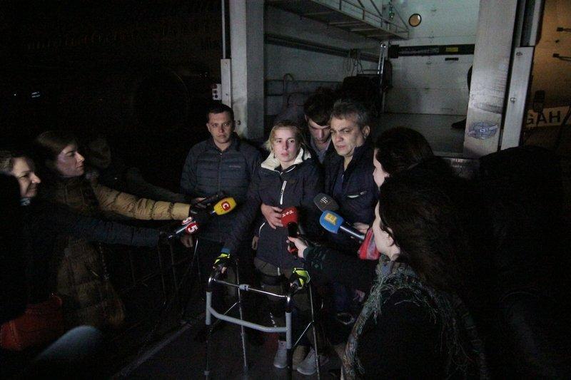 Легендарная девушка-госпитальер Яна Зинкевич вернулась после лечения в Израиле в Днепропетровск (ФОТО) (фото) - фото 25