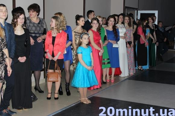 Оперний спів та балет можна було побачити на віденському балу у Тернополі (фото) (фото) - фото 1