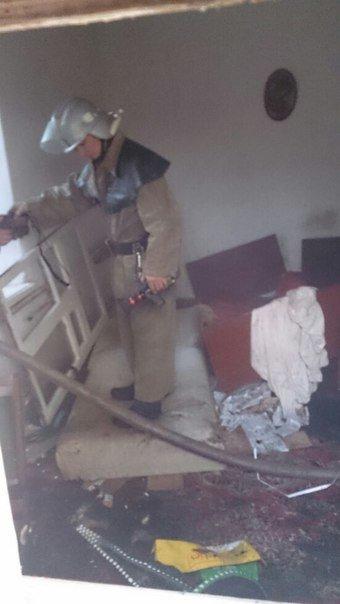 Спасатели тушили горящий матрас и мусор на улице Лесопильной в Днепродзержинске (фото) - фото 2