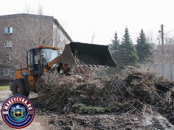 В Макеевке начали ремонтировать главную автомагистраль города (фото) (фото) - фото 2