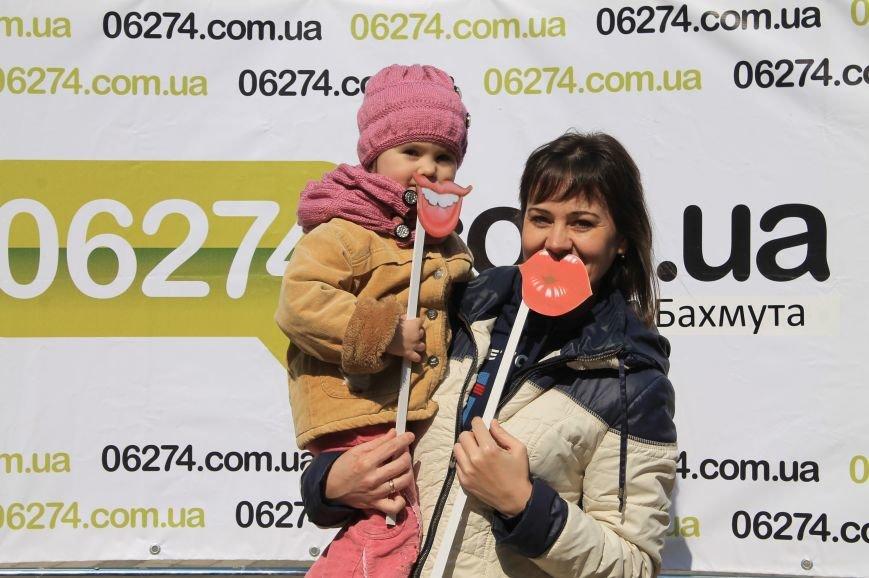 В День Смеха бахмутчане друг другу подарили свои улыбки, фото-18
