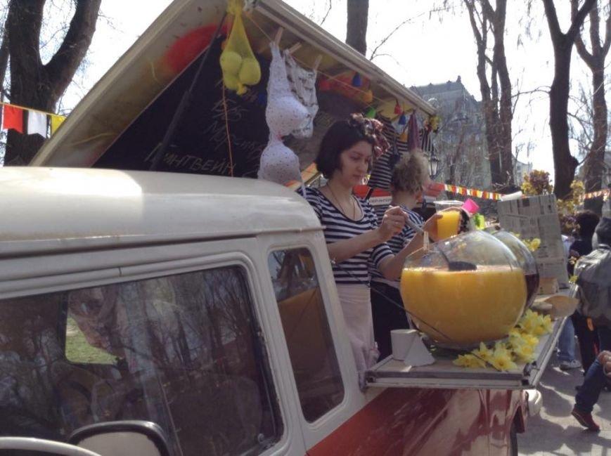 4a285f5d9bc392003eb2c9a08f21aa6d Одесса гонит: Носы, уши и дураки встречают туристов