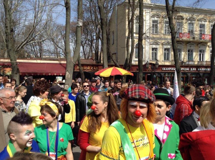 821093df9a368eff19ca1430d6bdb36f Одесса гонит: Носы, уши и дураки встречают туристов