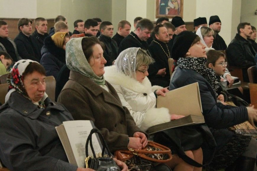 У Рівному презентували перший молитовник українською мовою шрифтом Брайля, фото-3