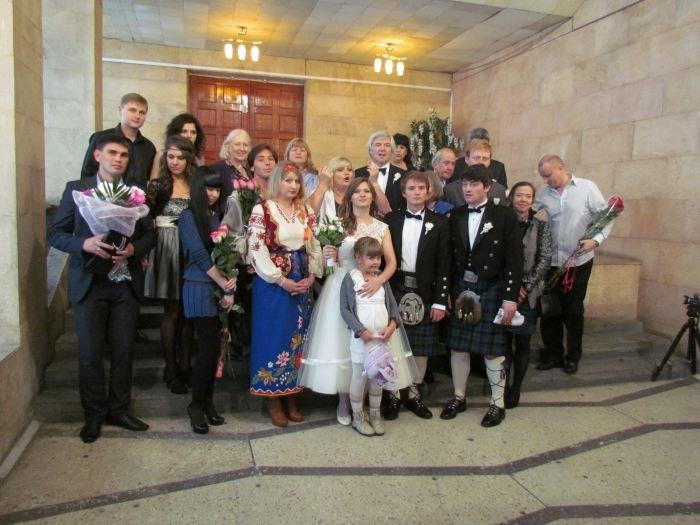 В Мариуполе Дворец бракосочетания зарегистрировал 170 тысяч влюбленных пар (фото) - фото 1