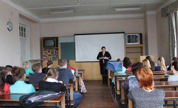Волонтёры ПсковГУ получили новые знания о работе с детьми в интернатных учреждениях (фото) - фото 1