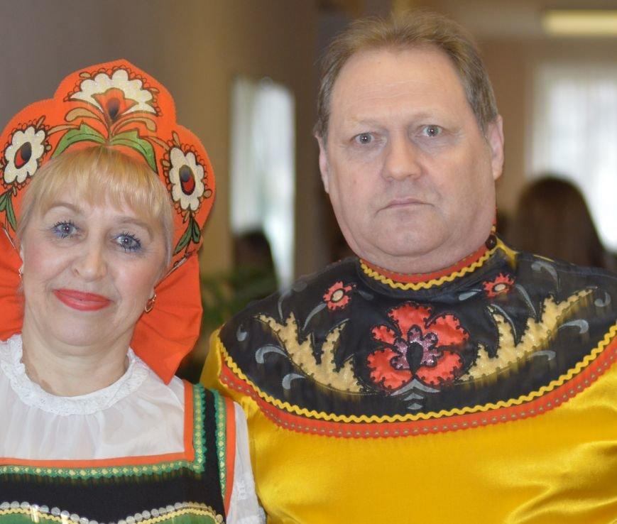 Песни и пляски на концерте ко Дню единения народов Беларуси и России в Витебске, фото-2
