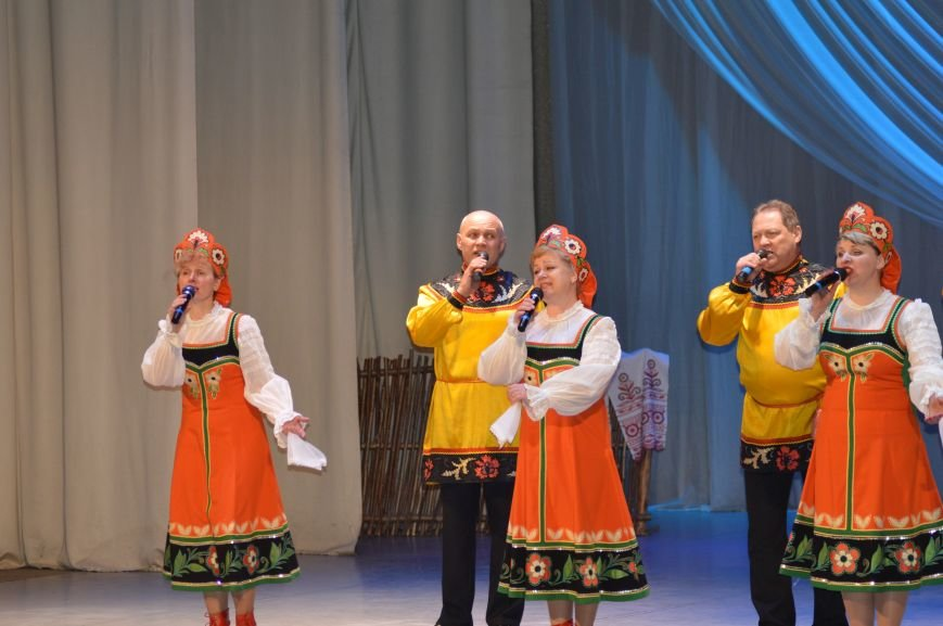 Песни и пляски на концерте ко Дню единения народов Беларуси и России в Витебске, фото-1