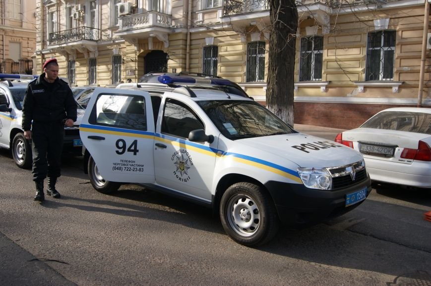 В Одессу стянули дополнительные силы полиции (ФОТО) (фото) - фото 1