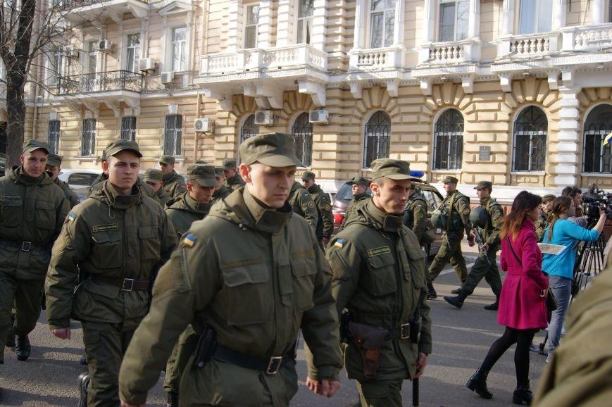 e03ad66a34957008429c530016801a93 В Одессу стянули дополнительные силы полиции