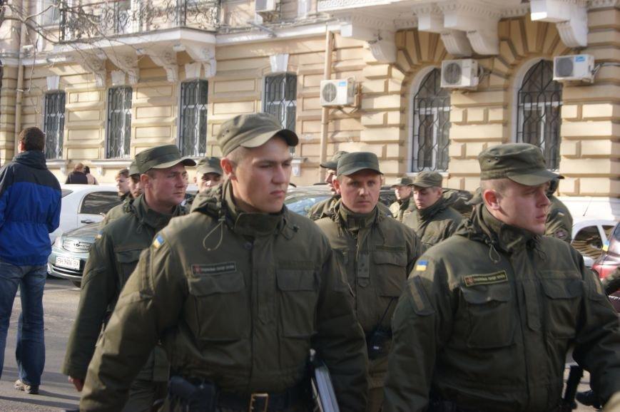 fc72167a826c772648117c2b7eeedfdc В Одессу стянули дополнительные силы полиции