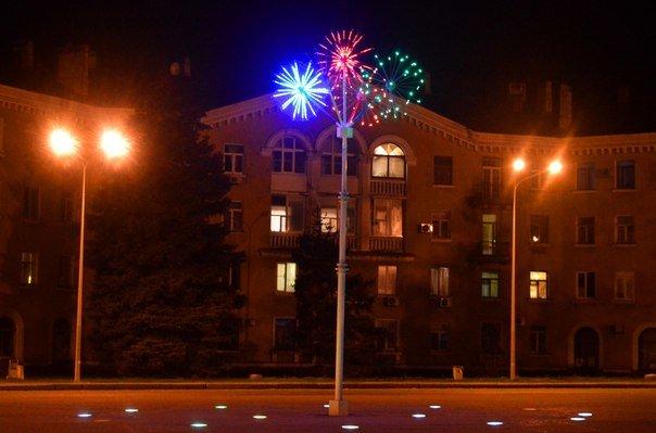 «ИЛКОМСВИТ» к дню рождения Черноморска готовит обновление светового наряда города (фото) - фото 1