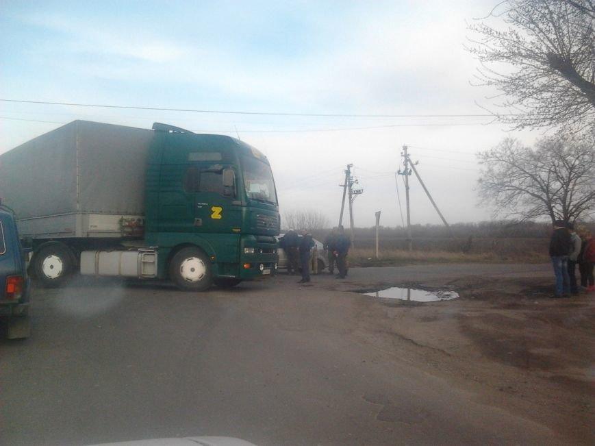В Красноармейском (Покровском) районе произошло ДТП: есть пострадавшие (фото) - фото 2