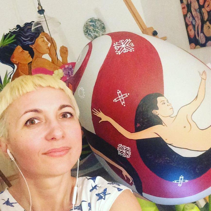 На диво-писанці черкаської художниці жінки полинули у танок (ФОТО), фото-2