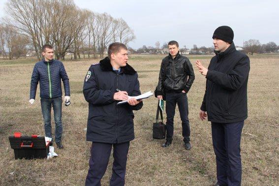 Трех полицейских ранили в Черниговской области (фото) - фото 1