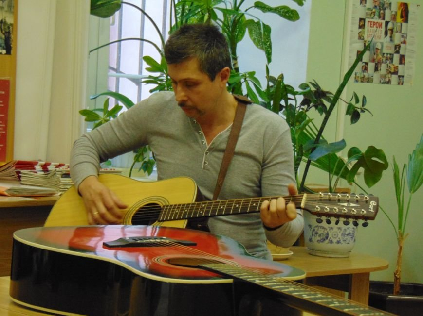 В Мариуполе прозвучали песни юго-востока Украины (ФОТО+ВИДЕО) (фото) - фото 3