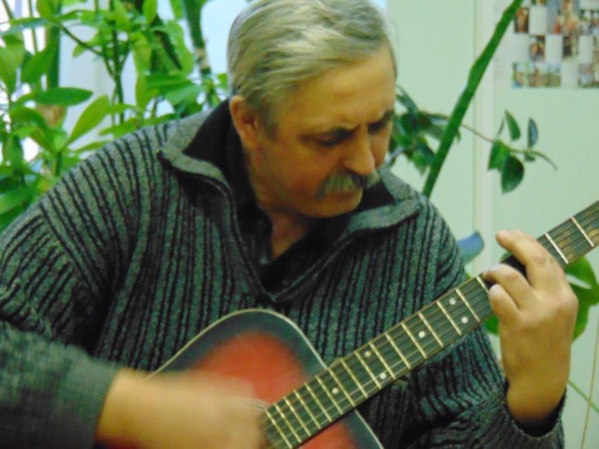 В Мариуполе прозвучали песни юго-востока Украины (ФОТО+ВИДЕО) (фото) - фото 2