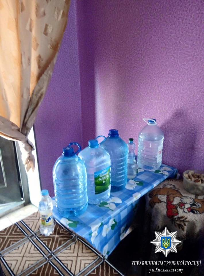 У Хмельницькому нелегально продають алкоголь і в магазинах, і вдома (Фото), фото-1