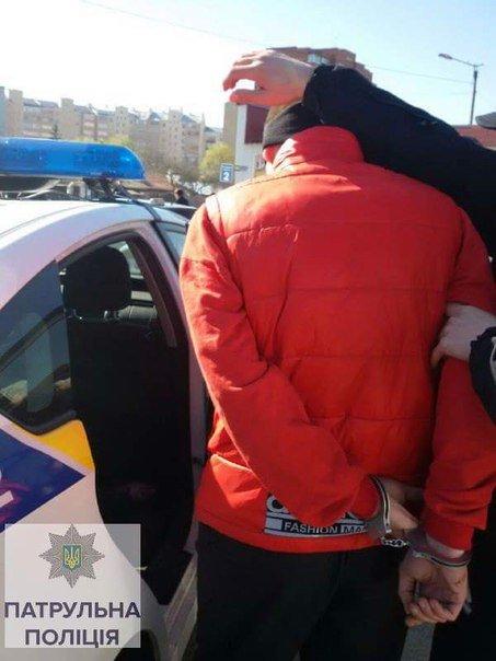 Франківські поліцейські затримали водія, який був