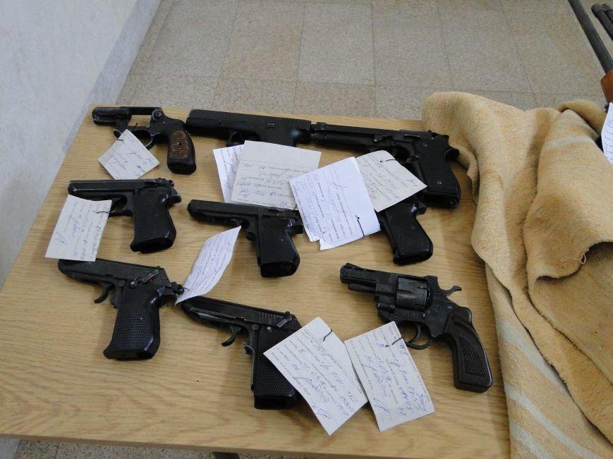 Мешканці Хмельницької області найчастіше добровільно здають мисливські рушниці (Фото) (фото) - фото 1