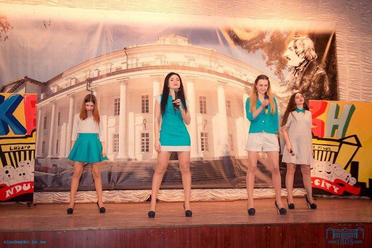 Команда СумГУ заняла 2-е место на Нежинском кубке КВН (ФОТО) (фото) - фото 1