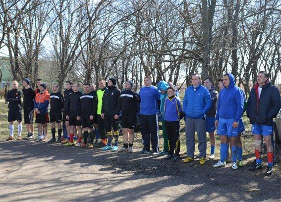 Кіровоградські поліцейські підтримали гравців футбольної команди загиблого в зоні АТО земляка та надали допомогу його родині (ФОТО) (фото) - фото 1