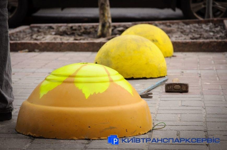 На Крещатике установили модернизированные полусферы (ФОТОФАКТ), фото-5