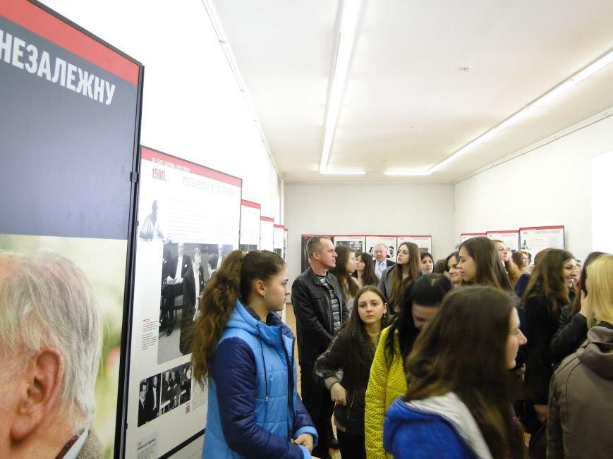 У Хмельницькому представили виставку «Єжи Ґедройць і його справа. Доробок бібліотеки «Культури» (Фото) (фото) - фото 9