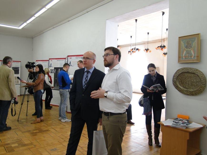 У Хмельницькому представили виставку «Єжи Ґедройць і його справа. Доробок бібліотеки «Культури» (Фото) (фото) - фото 2