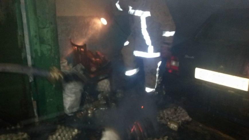 В Кременчуге на Второй Занасыпи горел автомобиль вместе с гаражом (ФОТО), фото-3