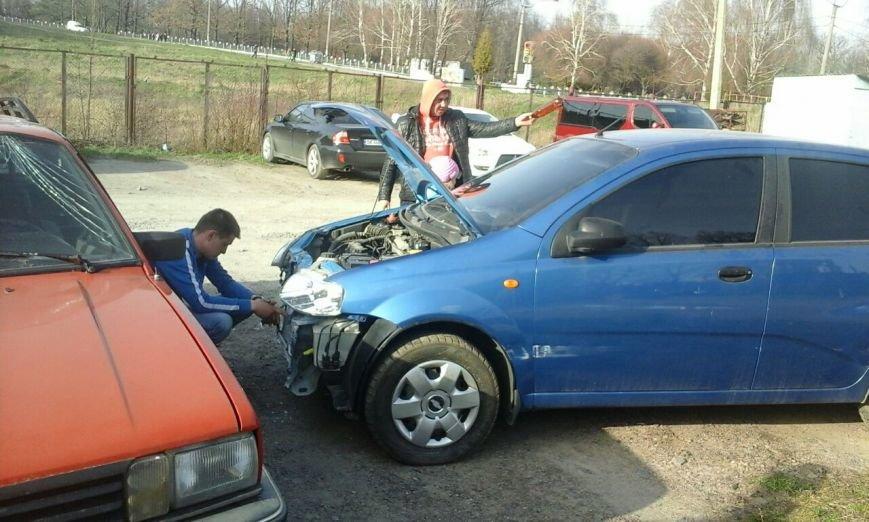 У Рівному на парковці сталася автопригода [ФОТО] (фото) - фото 1