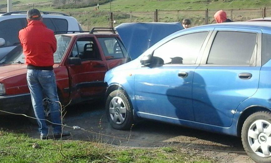 У Рівному на парковці сталася автопригода [ФОТО] (фото) - фото 3