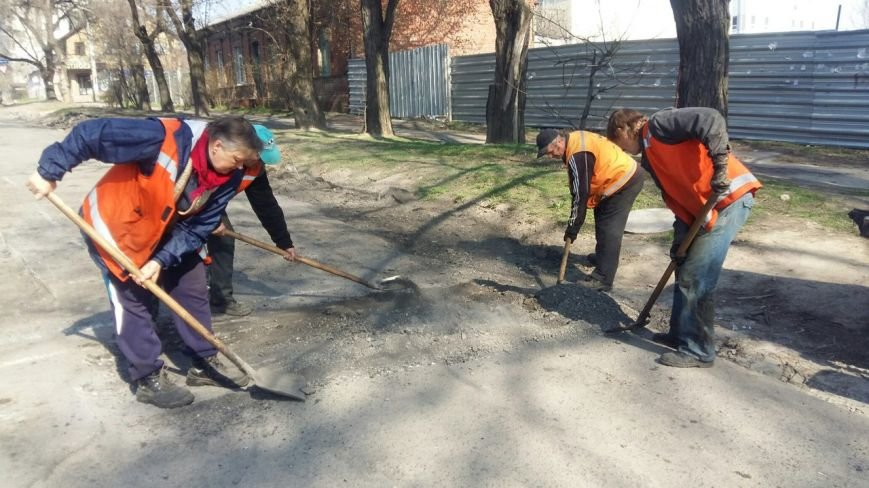 Ямы на улице Сикорского (бывшая Тельмана) обещают устранить до конца недели (ФОТО), фото-4