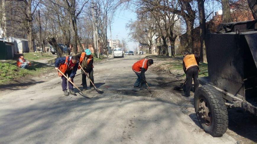 Ямы на улице Сикорского (бывшая Тельмана) обещают устранить до конца недели (ФОТО) (фото) - фото 3