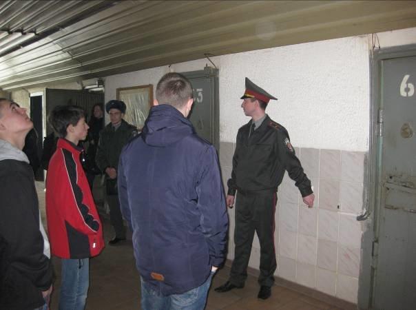 Несовершеннолетним нарушителям показали, как живут пожизненно заключенные (ФОТО) (фото) - фото 3