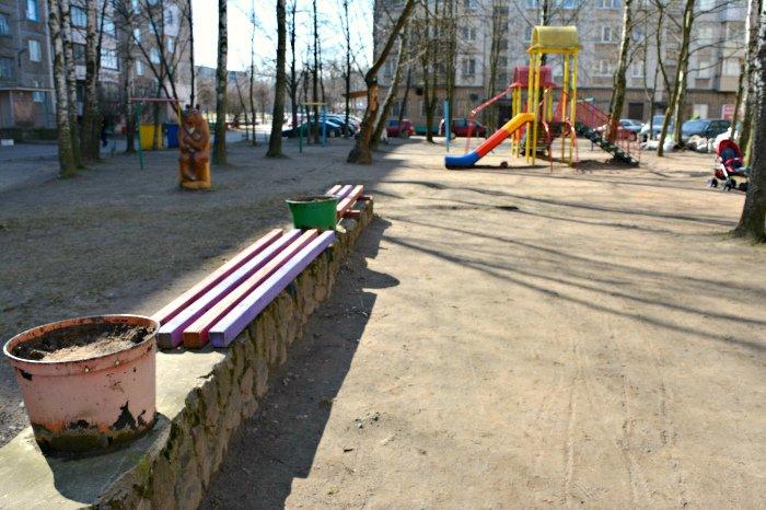 «У нас на площадке всего одна качелька и песочница»: как выглядят детские площадки в Новополоцке и кто должен следить за их состоянием, фото-3