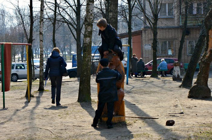 «У нас на площадке всего одна качелька и песочница»: как выглядят детские площадки в Новополоцке и кто должен следить за их состоянием, фото-16