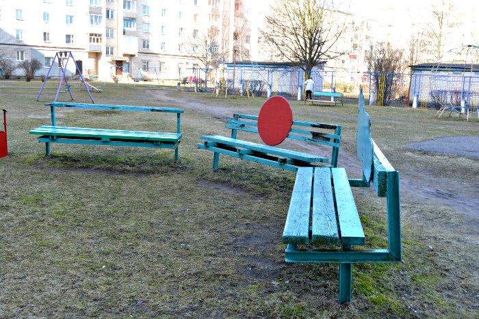 «У нас на площадке всего одна качелька и песочница»: как выглядят детские площадки в Новополоцке и кто должен следить за их состоянием, фото-10