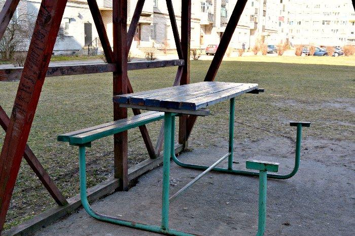 «У нас на площадке всего одна качелька и песочница»: как выглядят детские площадки в Новополоцке и кто должен следить за их состоянием, фото-13