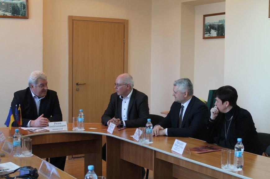 Литовцы планируют реализовать образовательный проект в Бахмуте, фото-1