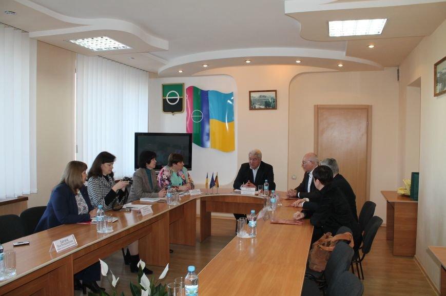Литовцы планируют реализовать образовательный проект в Бахмуте, фото-2