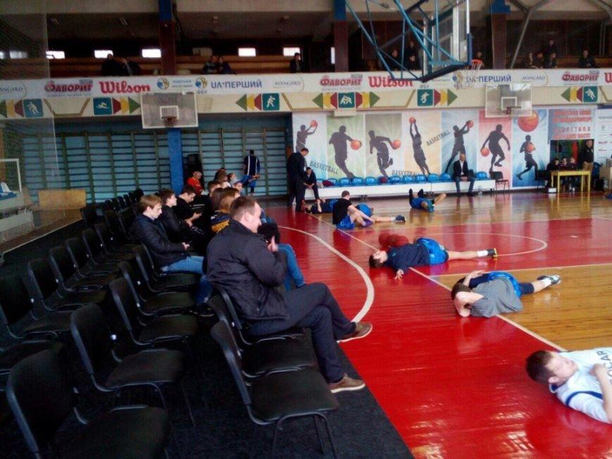 Криворожские баскетболисты не оставили шансов одесским соперникам в стартовом матче серии плей-офф (ФОТО), фото-1