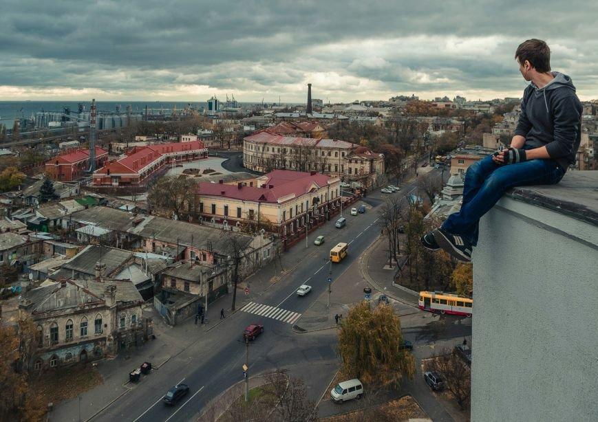 """1557e7adb6e18f64145b6e785b217304 Одесский руфер: """"Мы лазаем, что бы вы могли насладиться высотными пейзажами города с дивана"""""""