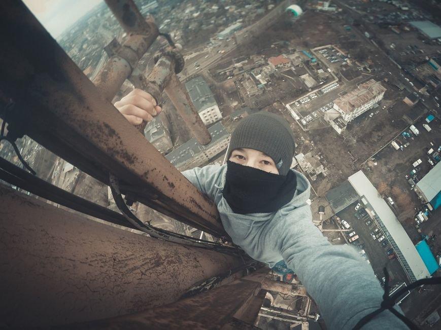 """3b08bb05563f1de6c2b123ee932f3077 Одесский руфер: """"Мы лазаем, что бы вы могли насладиться высотными пейзажами города с дивана"""""""