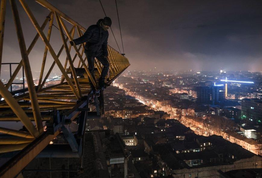 """3b9987e337907fb18d8e141e9e93ad04 Одесский руфер: """"Мы лазаем, что бы вы могли насладиться высотными пейзажами города с дивана"""""""