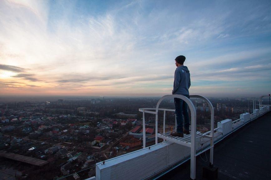 """65941e61f8ce02944042ca8cff1b3d18 Одесский руфер: """"Мы лазаем, что бы вы могли насладиться высотными пейзажами города с дивана"""""""