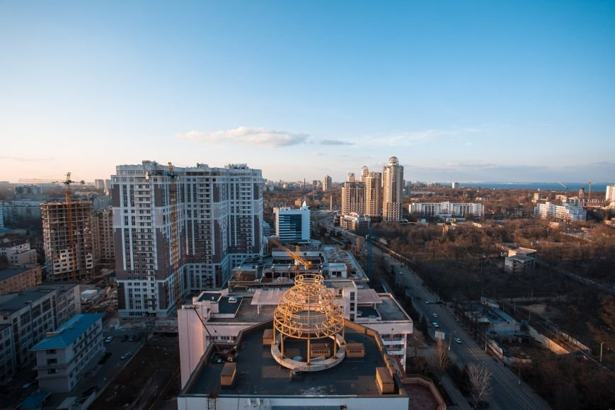 """b6a1f667f04e4c439644a6647a21002e Одесский руфер: """"Мы лазаем, что бы вы могли насладиться высотными пейзажами города с дивана"""""""