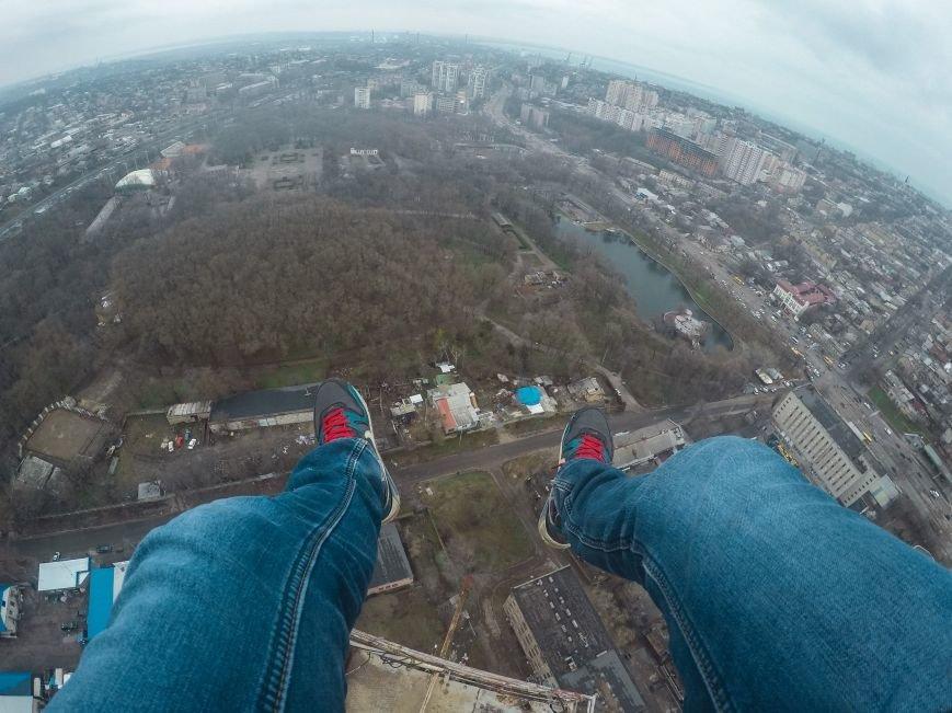 """c71ff4134b0bbb13f9b1dbc6f6092b86 Одесский руфер: """"Мы лазаем, что бы вы могли насладиться высотными пейзажами города с дивана"""""""