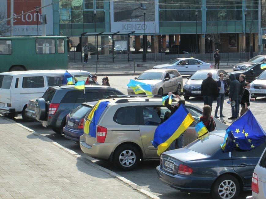 2305f94fdf6aac31ac525000a2ce6b4c Митинг за рулем: одесситы устроили автопробег против Стоянова