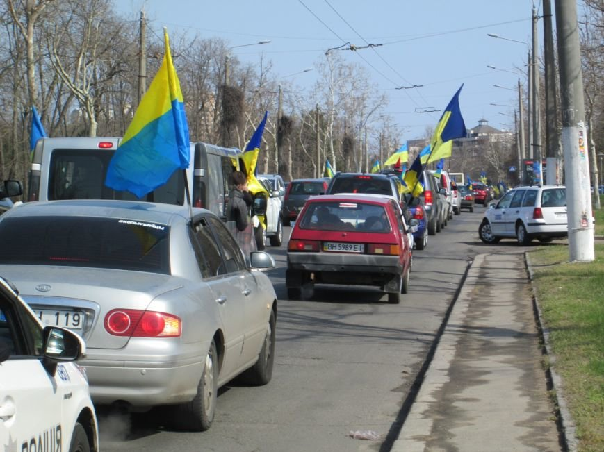978570575d64b30d19ea5e15d24abe2b Митинг за рулем: одесситы устроили автопробег против Стоянова